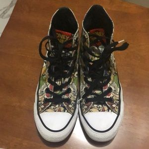 CONVERSE ALL STAR LOONEY TUNE SNEAKS 7